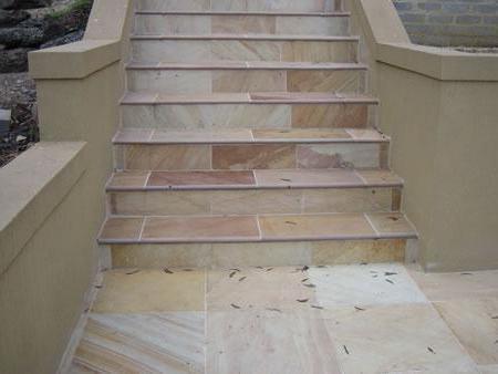 отделка ступеней бетонной лестницы плиткой на улице