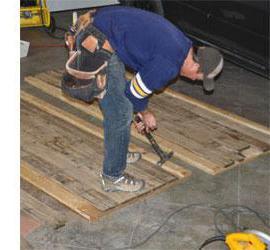 Пол в гараже. Что лучше избрать: бетон либо дерево? Разработка…
