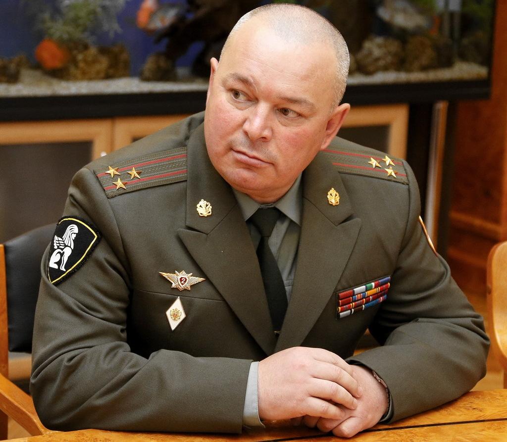 Полковник в форме фото