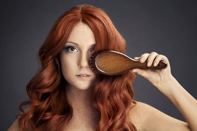 Какой цвет волос подходит к карим