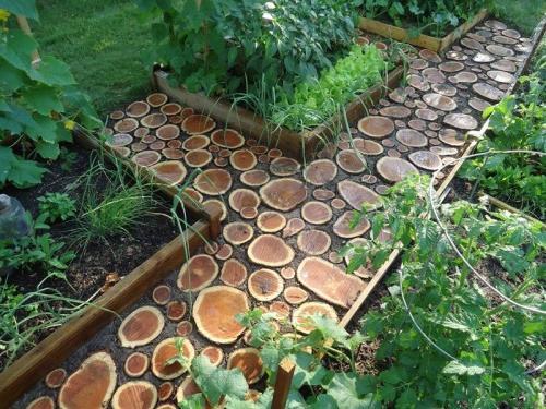 Украшаем садовый участок своими руками