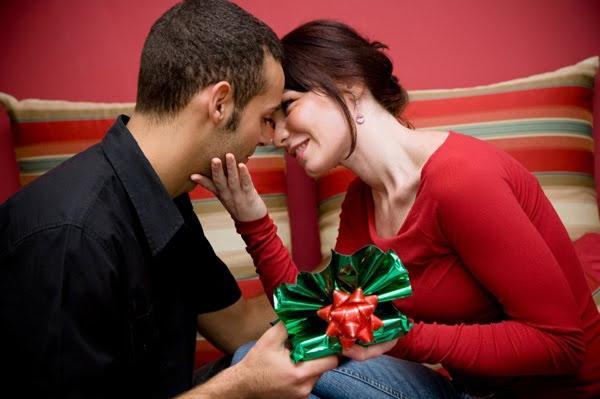 подарок на год знакомства парню