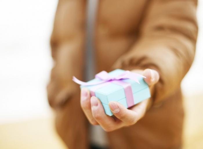 Что подарить на день рождения теще