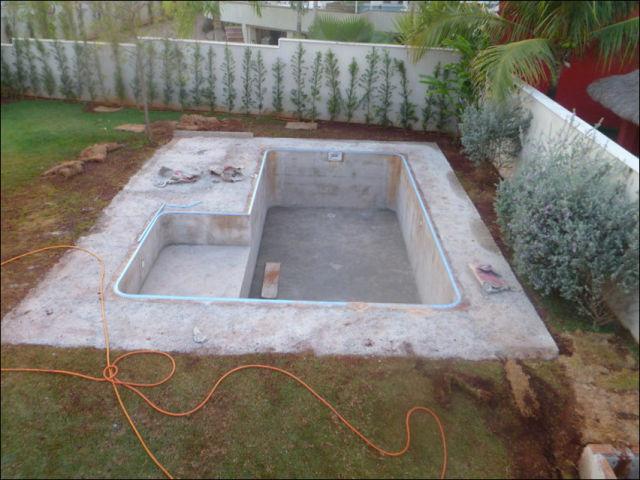 313Как самому сделать бассейн на даче своими руками видео в домашних условиях