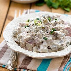 """Салат с черносливом """"Дамский каприз"""" – кулинарный рецепт"""