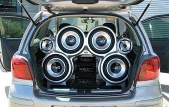 басы в машину