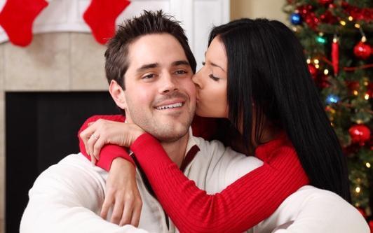 целоваться с знакомым мужчиной