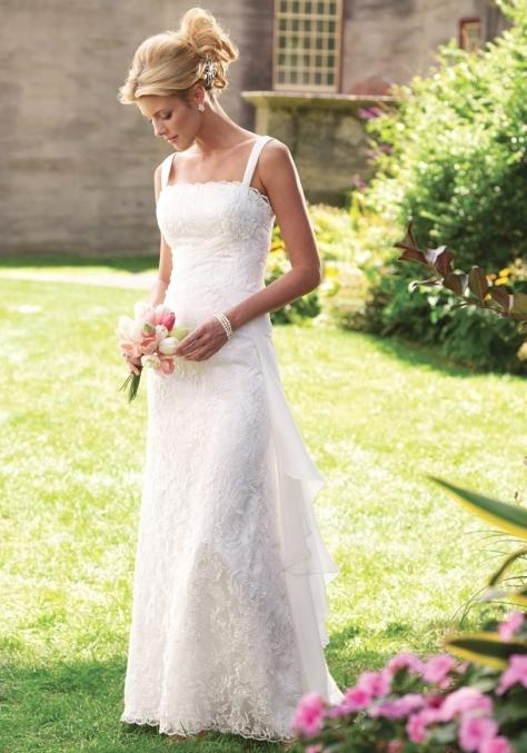Фото гипюрового платья с поясом