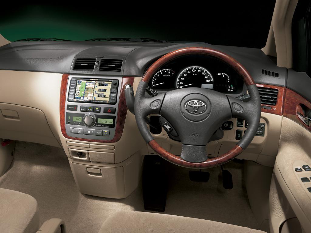 Toyota Ipsum салон