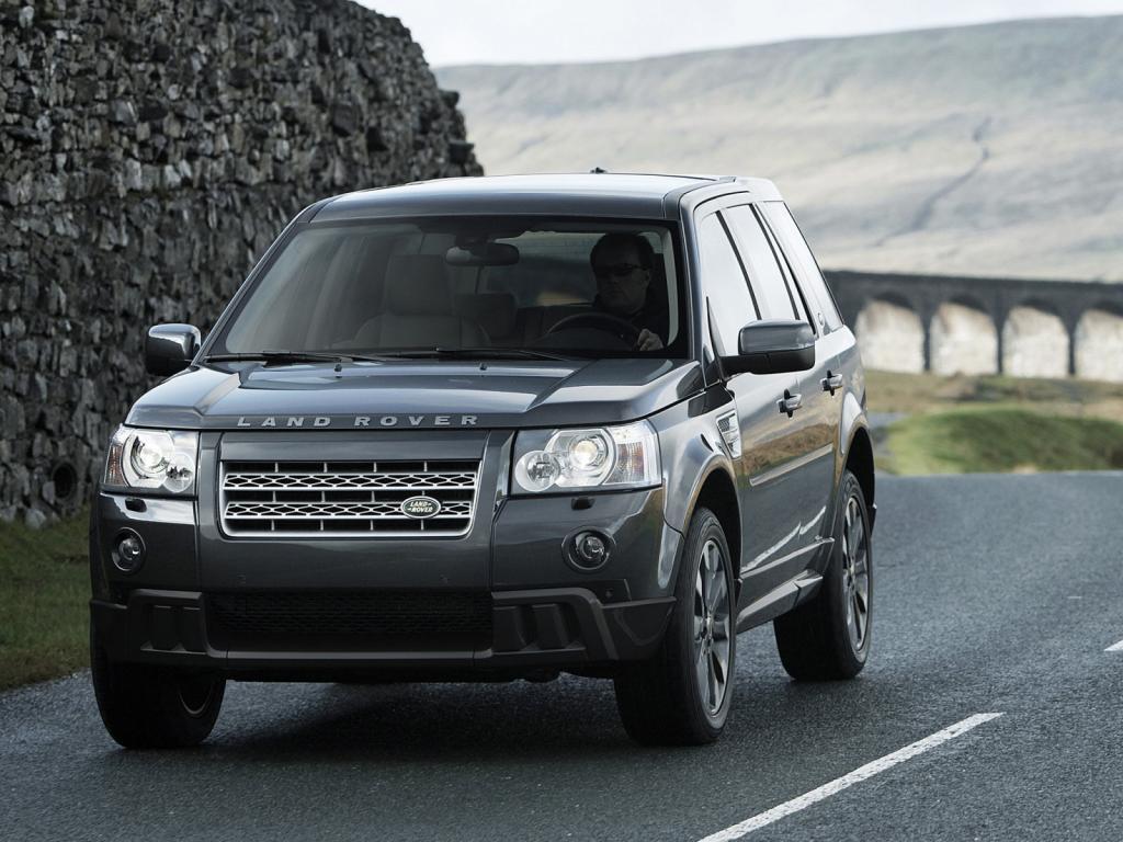Range Rover Freelander в дороге