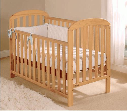 самодельная кровать из дерева