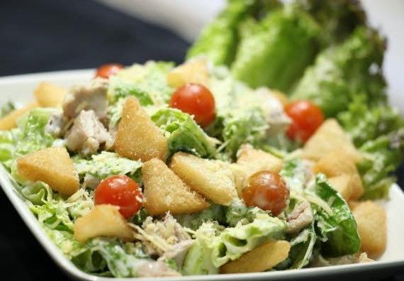 рецепт салата с грудкой яблоком
