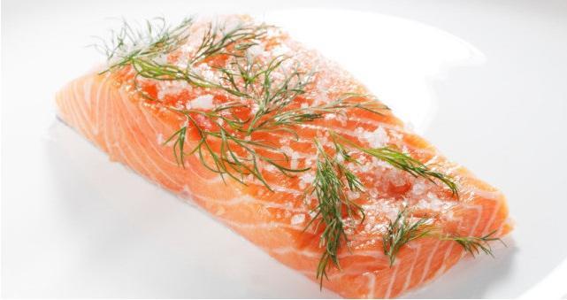 через сколько можно есть соленую красную рыбу