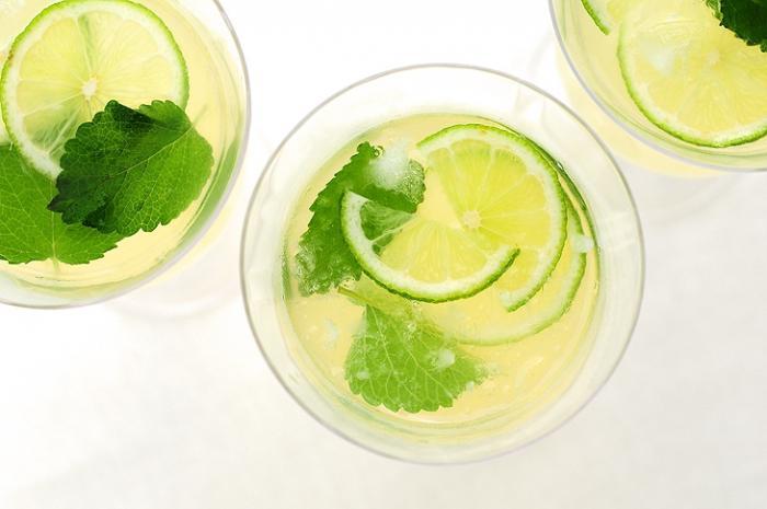 Мелисса лимонная