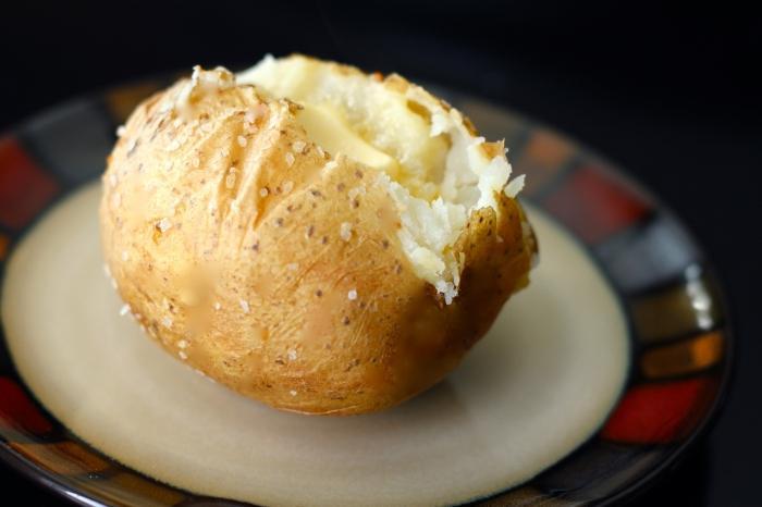 Печеный картофель в мультиварке рецепты с фото