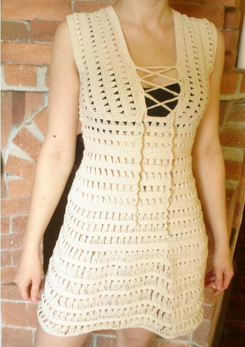 вязанное платье белое