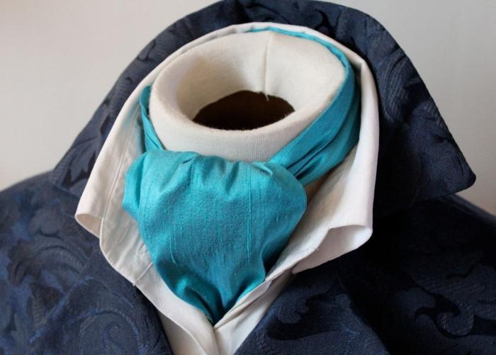 мужской шейный платок под рубашку