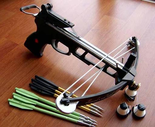 мощный арбалет пистолетного типа