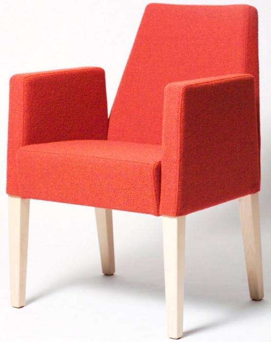стул мягкий с подлокотниками