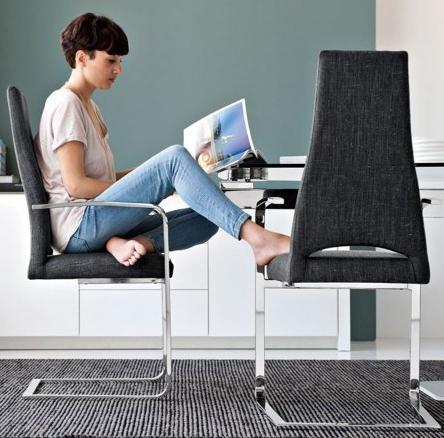 стул металлический с подлокотниками