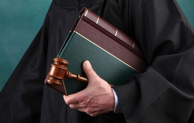 минусы профессии адвоката