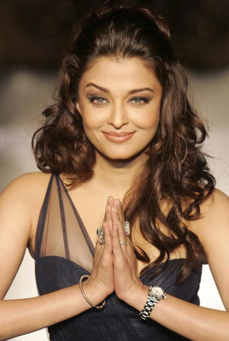 Индийские звезды занимаются сексом