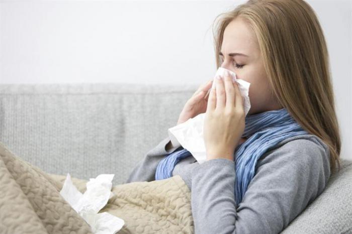 почему происходит запах изо рта