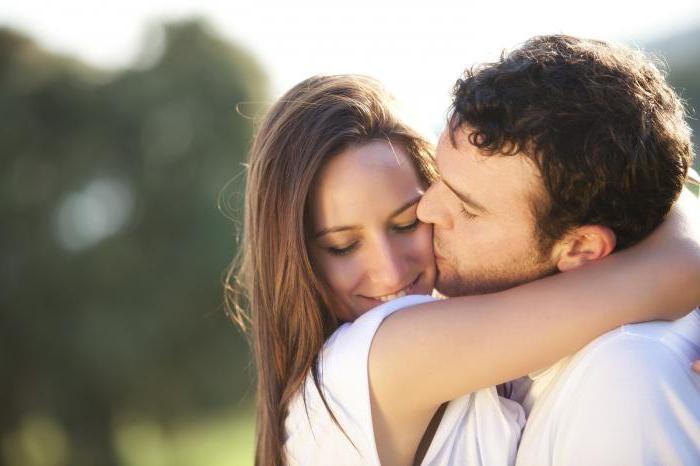 Сколько сжигается калорий при поцелуе? Узнаем!