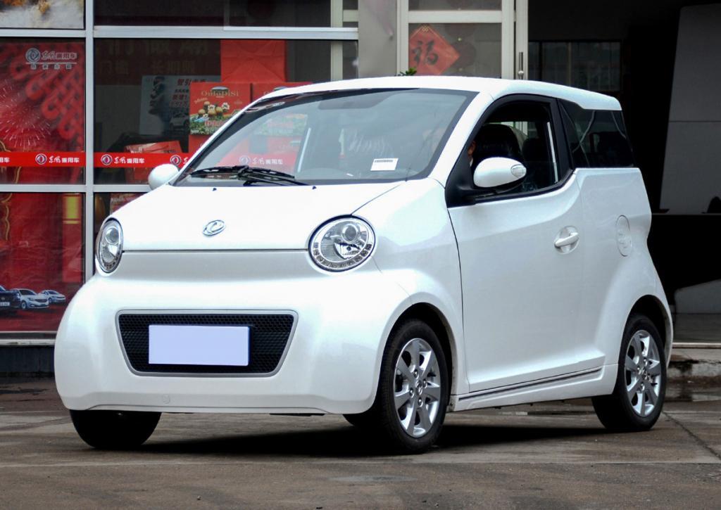 Китайский электромобиль DongFeng E30L