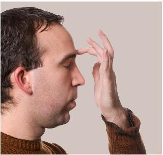 К чему правая щека горит: приметы и их толкование