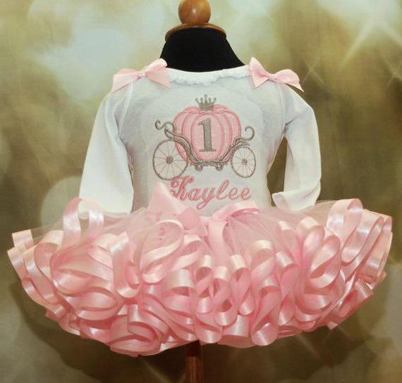 платье вязаное девочке 1 год