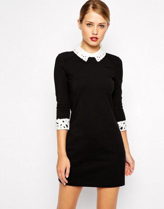 Черное офисное платье с белым воротником