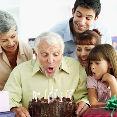что подарить на 70 лет мужчине