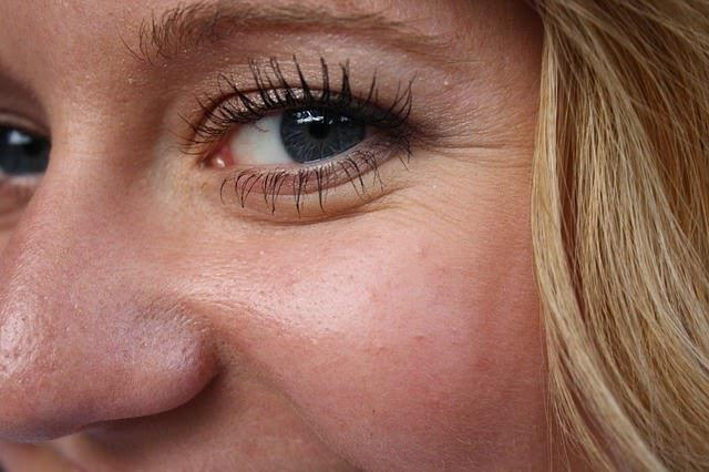 В домашних условиях убрать гусиные лапки вокруг глаз