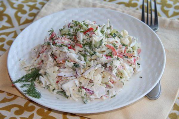 салат из натурального крабового мяса рецепт
