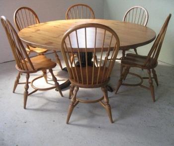 круглый стол для кухни стеклянный