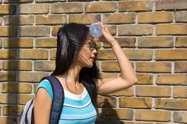 Симптомы перегрева на солнце - это должен знать каждый!