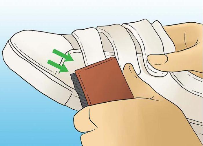как быстро почистить белые кеды из ткани