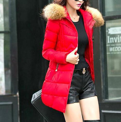 с чем носить красную куртку пуховик короткую