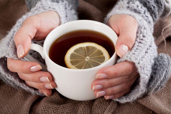 Очень сладкий чай с лимоном