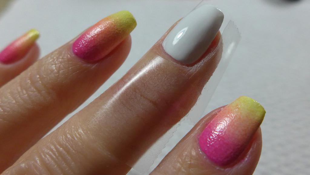 Gradient manicure gel polish
