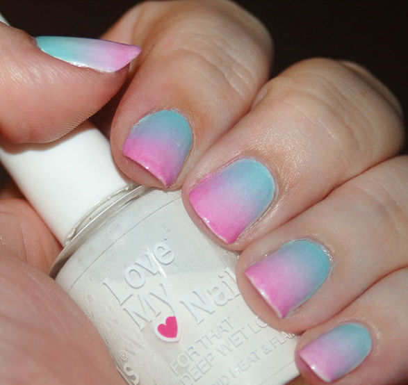 Gradient manicure at home.