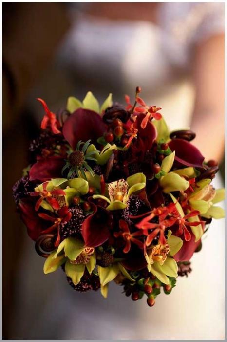 Какого цвета цветы дарят на свадьбу? Узнаем!