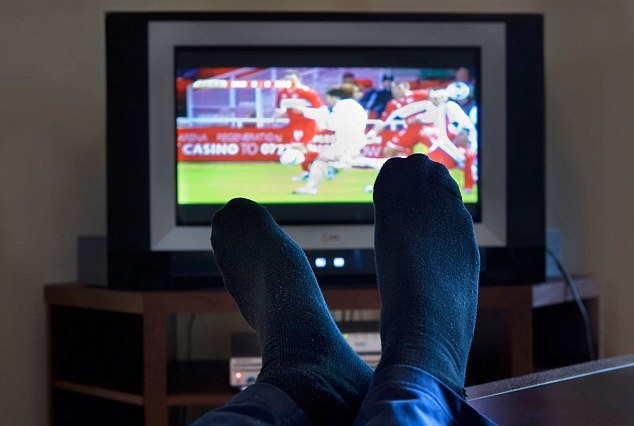 pros and cons of tv for man