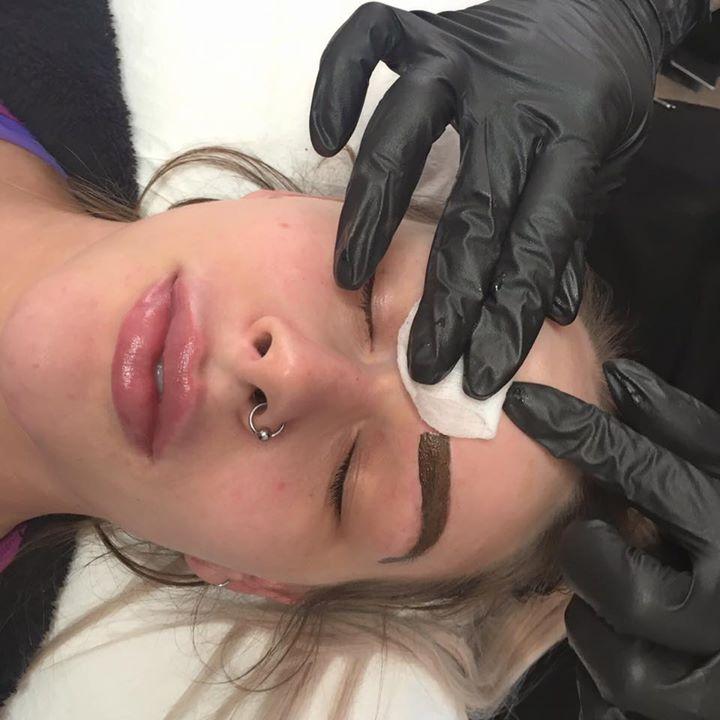 На сколько хватает татуажа бровей? Особенности процедуры, цены, отзывы
