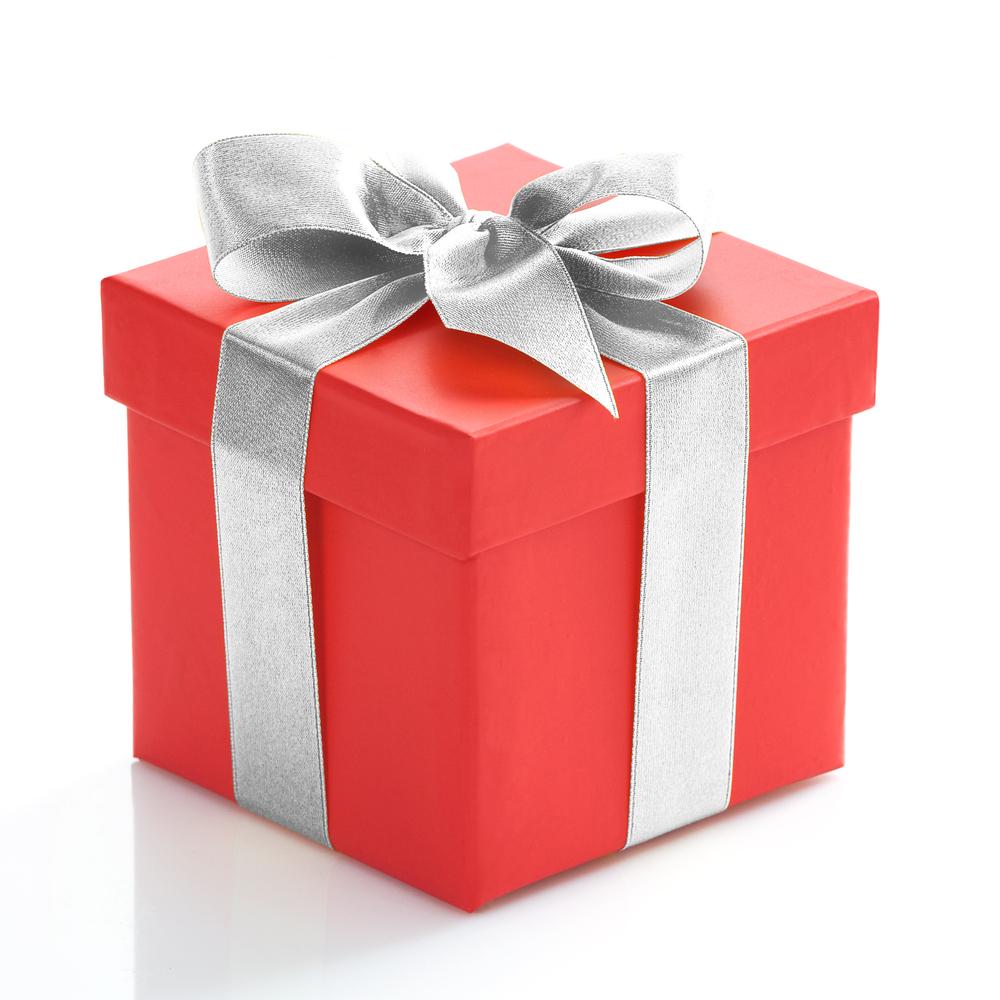 Что подарить крестнику: варианты подарков