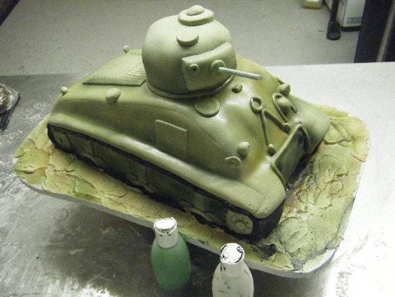 торт танк из крема