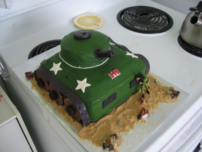 торт для мальчика танк