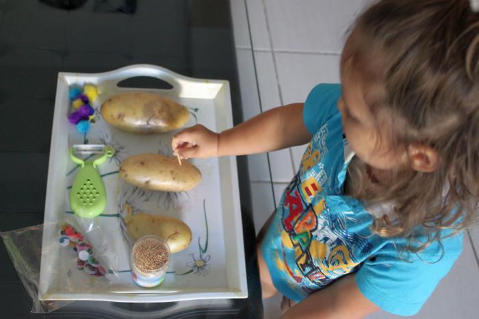 как сделать ежика из картошки