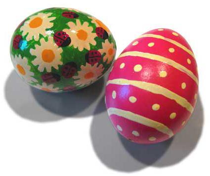 Почему на Пасху пекут куличи и красят яйца?